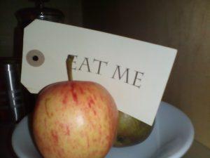 """本物の不思議の国のアリスの""""EAT ME""""は英国に。アリスインワンダーランド"""