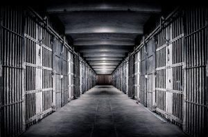 大学院(博士課程)の悲惨な待遇は生活保護や刑務所の懲役刑未満という話